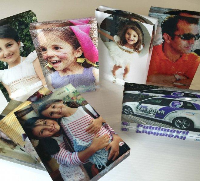 Placas conmemorativas con fotografía