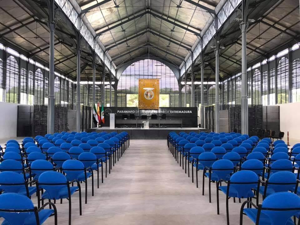 Interior del Edificio Metálico de la Universidad de Extremadura